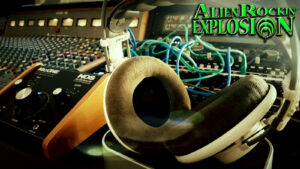 Alien Rockin' Explosion – Time to hide in the den